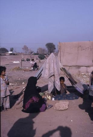 Kauf und kontrollierte Vergabe von Zelten in den Flüchtlingcamps